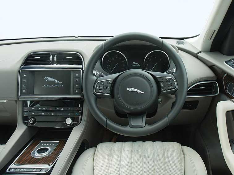 jaguar f pace estate 2 0 portfolio 5dr auto awd leasing and finance offers. Black Bedroom Furniture Sets. Home Design Ideas