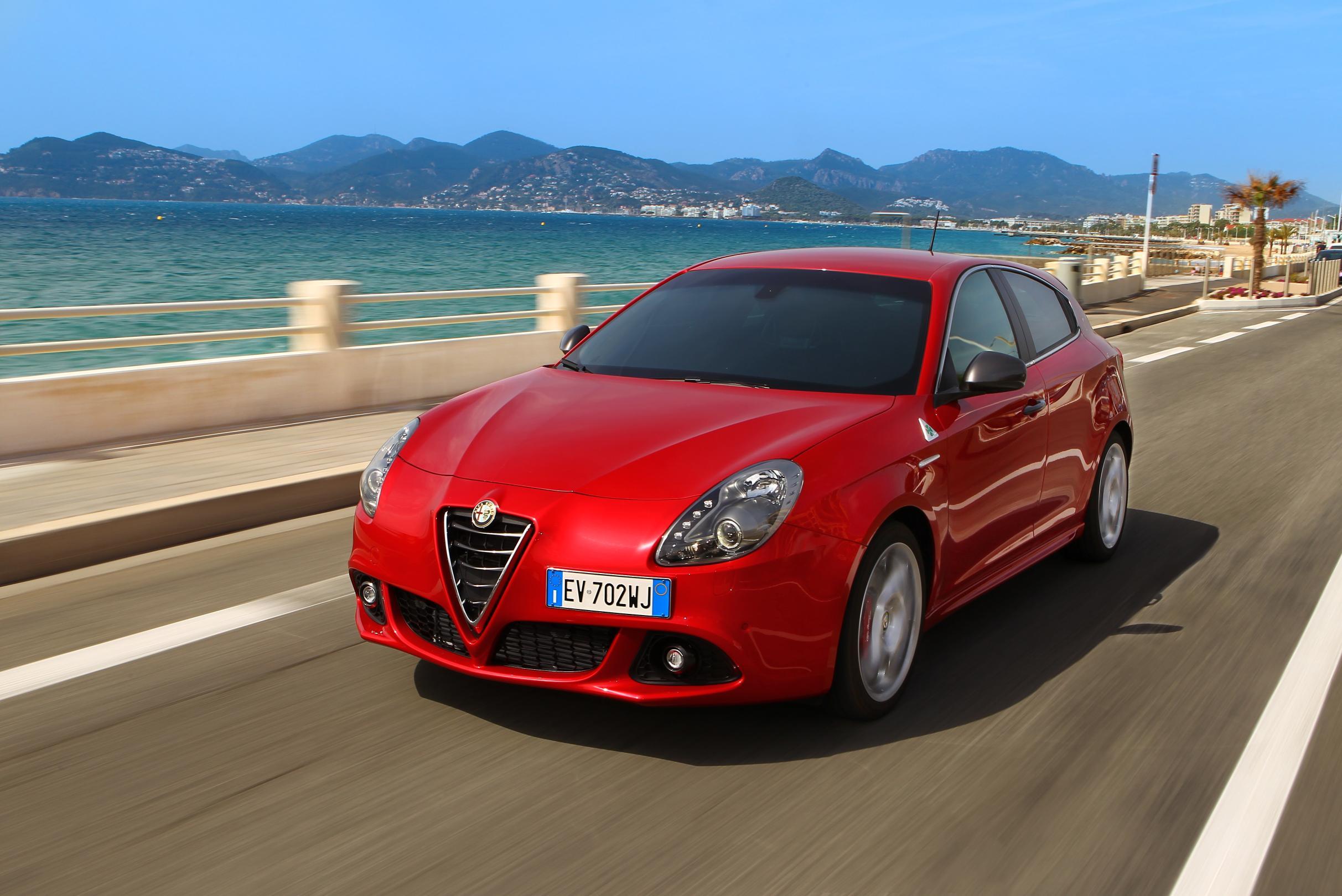 front view of 2014 Alfa Romeo Giulietta