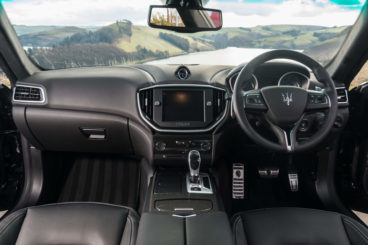 Maserati Ghibli Saloon interior