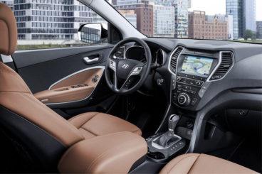 Hyundai Santa Fe Estate interior dashboard