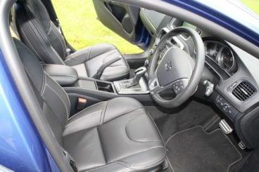Volvo V40 T5 interior
