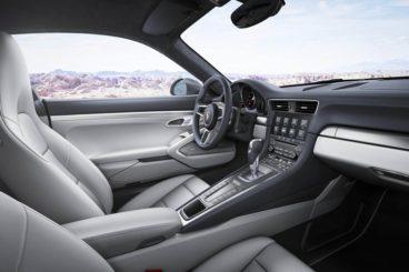 Porsche 911 Carrera Coupe interior