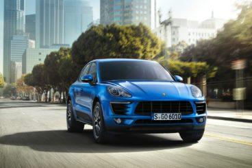 Porsche Macan in blue