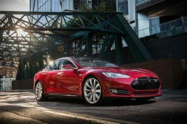 Tesla Model S - the evolution of cars