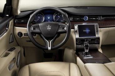 beige leather interior of the Maserati Quattroporte Saloon