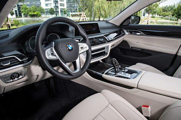 BMW7Series0517Int(2)