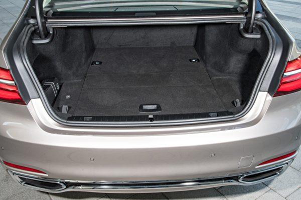 BMW7Series0517Int(4)