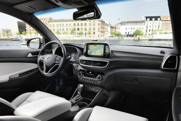 HyundaiTucson0718Int(2)